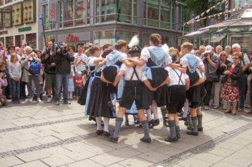 Strassenmusizieren2008_04